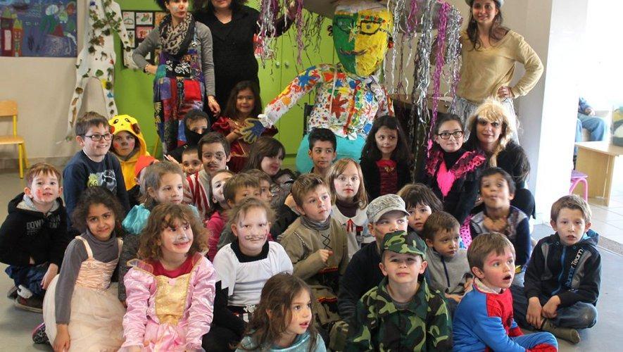 Enfants déguisés au centre de loisirs