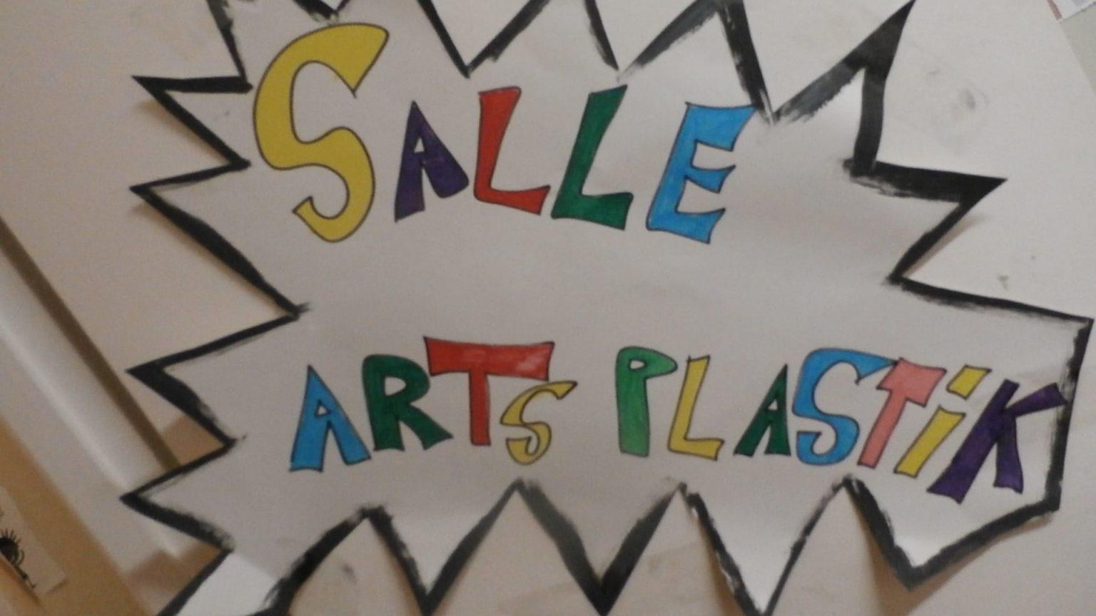 Affiche de la salle arts plastiques de l'espace pré-ados