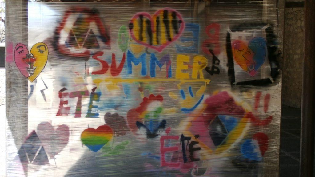 Toile de street-art summer réalisée par les enfants